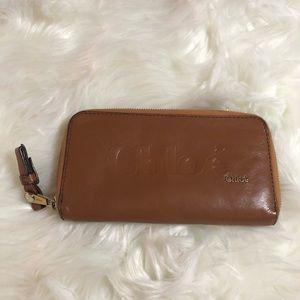 Chloe zip around Wallet 💯% Authentic